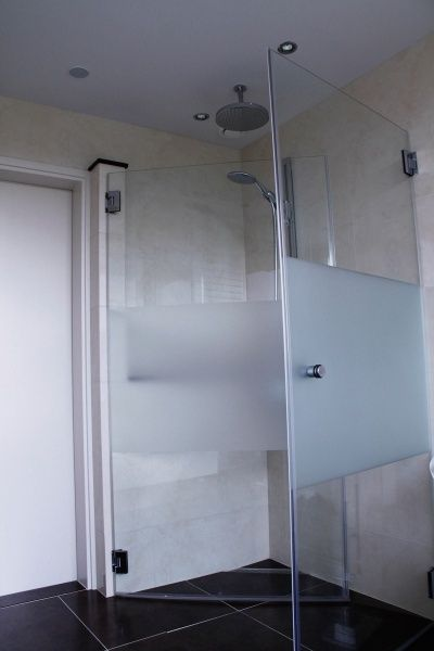 Ton Mestrom, tegels, Tegel en sanitairwereld, Tegels, Sanitair, badkamers, bad, wc, toilet, douche, Montfort, roermond, echt